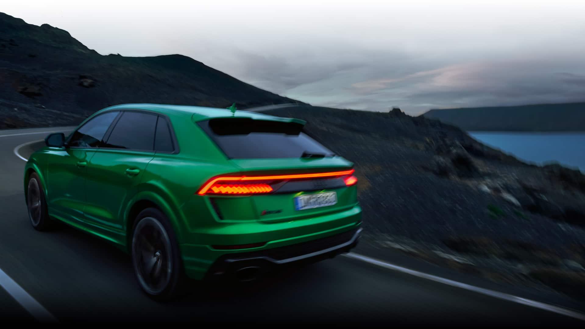Dynamic rear view Audi RS Q8